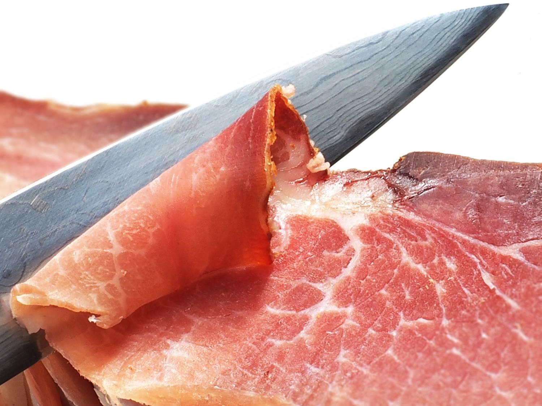 cómo cortar un jamón deshuesado a cuchillo